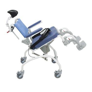 Cadeira-de-Banho-com-Basculacao-e-Encosto-de-Cabeca-Baltic-Orthos